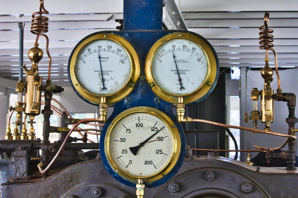 3つの時計が移っているバルブ